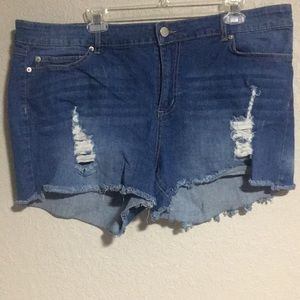 Forever 21 distressed jean shorts size 20